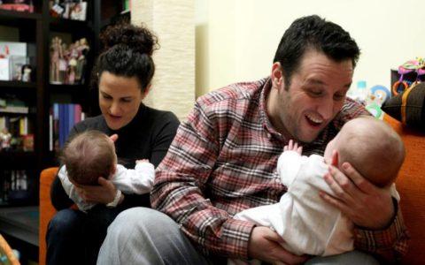 El Supremo reconoce el derecho a la baja maternal e los padres por gestación subrogada