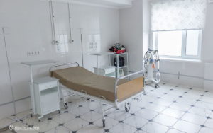 4-gallery_onmh_after-birth-mothers-are-a-care-medical-staff